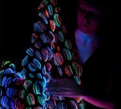 Weaving with light - new luminous textiles