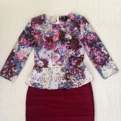 Flattering spring top This floral silky peplum top is perfect to bring in the new spring season! It hits you at your smallest part and brings femininity to a whole new level! H&M Tops Blouses