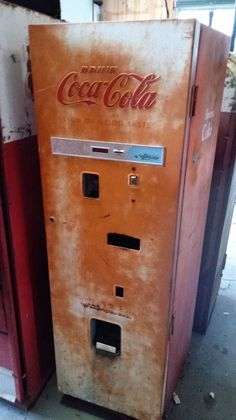 vintage coca cola machine vendorlator vmc 27a coke soda original runs cold vintage coca cola. Black Bedroom Furniture Sets. Home Design Ideas