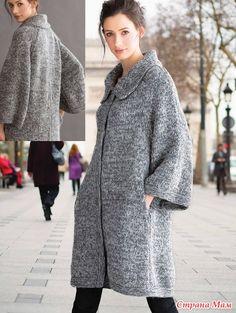 По подсказке девочек с вяжи. ру дополнение:  Меланжевое вязаное пальто - кокон из шерсти с добавлением альпаки является трендом этого осеннего сезона.