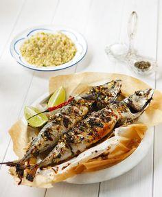 Τα πάντα για το μαγείρεμα των ψαριών - www.olivemagazine.gr Fish Dishes, Cheesesteak, Food And Drink, Cooking, Ethnic Recipes, Kitchen, Brewing, Cuisine, Cook