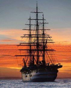 Sail the sunset, away into the Horizon Tall Ships, Pirate Art, Pirate Ships, Old Sailing Ships, Ship Drawing, Tug Boats, Sail Away, Set Sail, Submarines