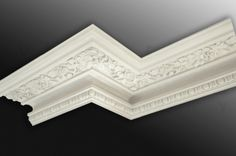 Residential_Plaster Coving and Ceiling Roses from the Victorian Cornice Company_plaster detailing in a decorative crown molding on the edge of the wall and ceiling. Victorian Decor, Home Ceiling, Molding Ceiling, Plaster Coving, Ceiling Rose, Cornice, Ceiling Design, Victorian Interiors, Mouldings