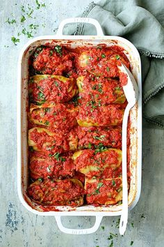 Spicy Italian-Stuffed Cabbage Rolls are a kicked-up twist on a classic East European favorite! This hearty, comforting meal will put a smile on everyone's face and it's sure to become a new favorite! Best Cabbage Rolls Recipe, Cabbage Recipes, Meat Recipes, Dinner Recipes, Cooking Recipes, Gourmet Recipes, Party Recipes, Cooking Tips, Cabbage Roll Casserole