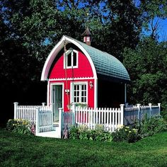 I love this beautiful tiny red barn house cottage surrounded by white picket fence. Looks to me like it's no more than 200 square feet of sp...