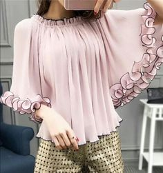 Stylish Dress Designs, Designs For Dresses, Stylish Dresses, Stylish Outfits, Girls Fashion Clothes, Fashion Dresses, Kurti Sleeves Design, Kids Dress Wear, Iranian Women Fashion