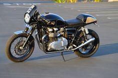 Triumph Thruxton Cafe Racer DGR - Steve Richard Carpenter #motorcycles #caferacer #motos | caferacerpasion.com