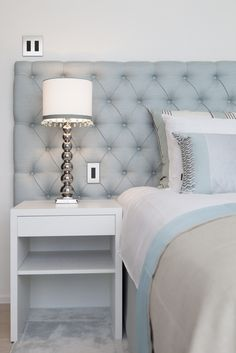 Byron & Jones - Bedroom - Headboars - Lightning - Nightstand - Cushions - Carpet - Light Blue - White - Trimming