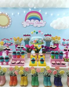 Que amor! Festa arco-íris produzida pela @renata_pardo_chaib . #decorefesta #blogdecorefesta #festa #festainfantil #festamenino #festamenina #deco #decor #decoração #decoraçãodefesta #decoraçãoinfantil #design #instagood #instamood #instaparty #party #partydecor #partyideas #partykids #birthdayparty #ideas #inspiration #inspiração #blog #blogger #instablog #kids #kidsparty