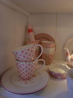 GreenGate Mugs Mai Pink mixed with plates Abelone Raspberry