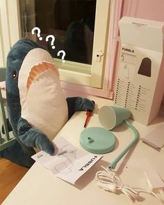 People Are So In Love With The New Plush Shark Toy Released By IKEA - World's largest collection of cat memes and other animals Cute Shark, Great White Shark, Baby Shark, Shark Pictures, Funny Pictures, Ravenclaw, Shark Meme, Shark Plush, Ikea I