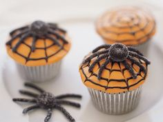 Eerily yummy looking Scary Spiderweb Cupcakes. #food #Halloween #cupcakes #spiders