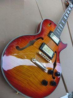 Gibson Les Paul Supreme F-hole.