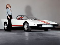 Risultati immagini per roadster 70s Cars, Alfa Romeo Spider, Car Brochure, Alfa Romeo Cars, Races Fashion, Spa, Car Brands, Car Manufacturers, Koenigsegg