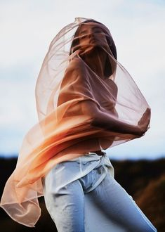 #modelcitizenmag #modelcitizenmedia #modelcitizenapp #fashionjournalist #nyfw #musthave #shoponline #runwayfashion #highfashion #makeupbyme #hautecouture #fashionmagazine #fashionstylist