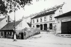 Pohled do Fastrovky V domku vlevo bylo malé uhlířství-uhlí rozváželi károu....to už je ale dááávno. Street Photo, Czech Republic, Prague, Urban, Retro, World, Photography, Inspiration, Historia