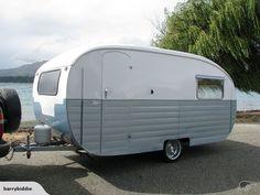 Restored 1958 Starliner Caravan for sale on Trade Me, New Zealand's auction and classifieds website Vintage Campers Trailers, Retro Campers, Camper Trailers, Retro Caravan, Caravan Ideas, Caravans For Sale, Caravan Renovation, Motorhome, Recreational Vehicles