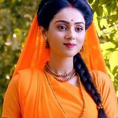 Radha Krishna Holi, Krishna Songs, Radha Krishna Love Quotes, Cute Krishna, Radha Rani, Krishna Art, Krishna Photos, Lord Krishna Images, Radha Krishna Pictures