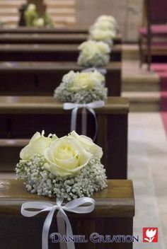 Addobbi floreali matrimonio hochzeit in 2020 Pew Decorations, Floral Wedding Decorations, Church Wedding Decorations, Wedding Arrangements, Wedding Centerpieces, Floral Arrangements, Flowers Decoration, Wedding Pews, Diy Wedding