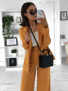 Gli Arcani Supremi (Vox clamantis in deserto - Gothian): Resort 2019 fashion trends and street style Mode Outfits, Office Outfits, Fall Outfits, Summer Outfits, Fashion Outfits, Womens Fashion, Fashion Trends, Travel Outfits, Business Outfits