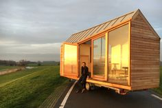 Porta Palace Tiny Mobile House created by Dutch-based company Woonpioniers and designed by Daniel Venneman (so cool ) by dyanasaurrex Modern Tiny House, Tiny House Plans, Tiny House On Wheels, Tiny House Mobile, Mobile Home, Tiny House Exterior, House Exteriors, Micro House, Glass Facades