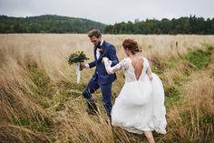 Lantligt bröllop med ladufest: Micaela + Emil Romantic Girl, Sister In Law, Mermaid Wedding, Sisters, Wedding Dresses, Diy, Fashion, Pictures, Bride Dresses
