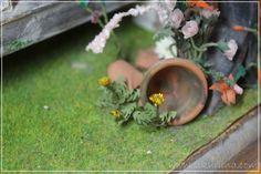 Linnanneidon lokikirja Mini Plants, Dandelions, Dollhouse Miniatures, Exterior, Fairies, Flowers, Castle, Nice Asses, Faeries