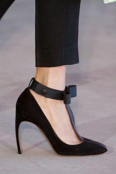 Roksanda Ilincic at London Fashion Week Spring 2014 - StyleBistro