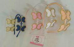 Tiaras com borboletas em pérolas Mãos de fada artesanato www.facebook.com/mfmuzambinho
