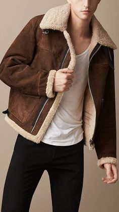 Sueded Sheepskin Aviator Jacket, A classic sheepskin aviator jacket with contrast leather detailing. The unlined design has a soft suede outer and shearling interior with a contrast turnback collar and cuffs. Burberry Jacket, Burberry Men, Look Fashion, Mens Fashion, Fashion Outfits, Shearling Jacket, Leather Jacket, Men's Leather, Sheepskin Jacket