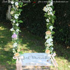 Leagan cu flori #flowers #swing #wedding #decor #livadacuvisini #paulamoldovan Outdoor Furniture, Outdoor Decor, Wedding Decorations, Magazine, Flowers, Plants, Home Decor, Decoration Home, Room Decor