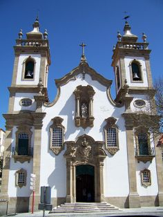 Church Igreja da Misericórdia in Guarda, Portugal Religious Architecture, Ancient Architecture, Places Around The World, Around The Worlds, Spain And Portugal, One And Only, Cool Places To Visit, The Good Place, Mosques