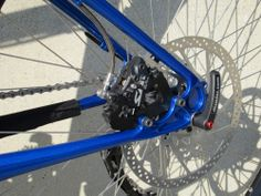track dropout with internally mounted disc brake tab - Comotion?