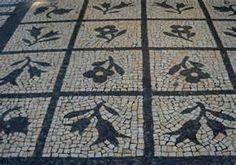 Calçada à portuguesa - portuguesa sidewalk.