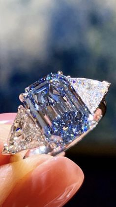 Custom Jewelry, Jewelry Box, Jewelry Rings, Jewelery, Jewelry Accessories, Women's Rings, Blue Gemstones, Crown Jewels, Diamond Design