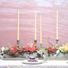 Weihnachtliche Tischdekoration mit Weihnachtssternen