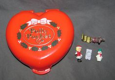 1989 Bluebird Polly Pocket - Christmas Alpine Chalet - Red Christmas Compact - Complete