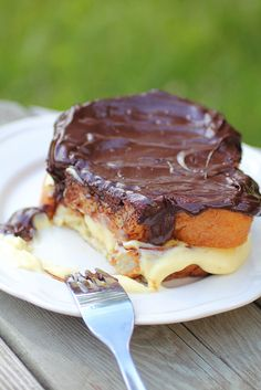 Boston Cream Pie French Toast...can't wait to make this!  Homemade pastry creme...yum!