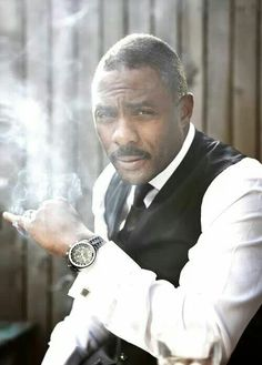 idris elba-now this man looks good in anything to me.lol, but, very suave here Men In Black, Black Is Beautiful, Gorgeous Men, Beautiful People, Gta San Andreas, Look Girl, Ex Machina, Hommes Sexy, Raining Men