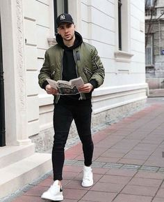 Stylish Mens Outfits, Casual Outfits, Men Casual, Mens Fashion Wear, Men's Fashion, Fashion Trends, Layering Outfits, Classic Outfits, Mens Clothing Styles