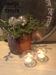 Eenvoudig kerststuk. Gave houten pot!