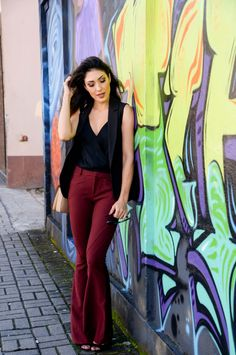 look do dia, look calça flare, marsala, look com colete
