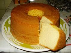 Bolo pão de ló . bolo simples