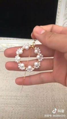 Wire Jewelry Designs, Handmade Wire Jewelry, Diy Crafts Jewelry, Bracelet Crafts, Jewelry Patterns, Diy Jewelry Videos, Jewelry Accessories, Diy Bracelets Easy, Homemade Jewelry