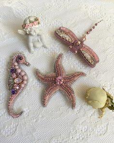 Розовые мечты #броширучнойработы#брошьморскаязвезда#брошьморскойконек#брошьстрекоза . Морская звезда - продана✨