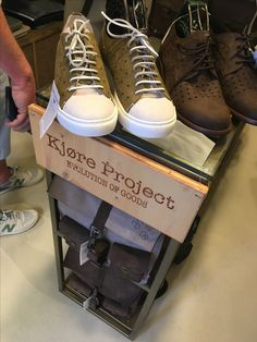 Twins store 👍 www.kjoreproject.com #kjøre #kjoreproject #photo #canon #friends #handmade #leather #twins #italy #italia #store #shoes 