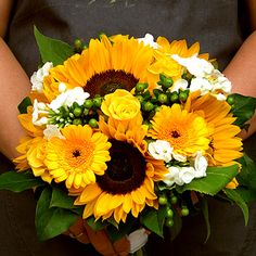 "summer bouquet of sunflowers, roses and Germini ""Davison"" with Hypericum and Phlox"