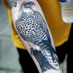 Peregrine falcon by Ricky Williams #RickyWilliams #blackandgrey #realism #realistic #hyperrealism #bird #falcon #peregrinefalcon #nature #animal #feathers #wings #tattoooftheday