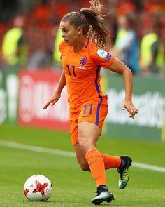 Girl Football Player, Football Girls, Football Fans, Football Players, Fifa, Chelsea Blue, Female Soccer Players, Dutch Women, Champions