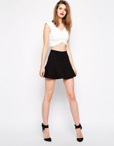 Skater Skirt Makes You Look Elegant Even With Simple Style : Skater Skirt Ireland